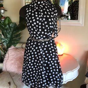 🍂5/$25🍂Tie neck Polka Dot Dress